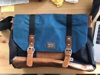 Original Penguin Men's Shoulder / Messenger bag (mint condition)