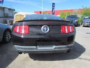 2012 Ford Mustang V6 Premium * LEATHER * HEATED POWER SEATS London Ontario image 6