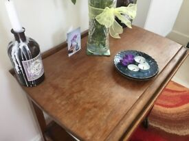 Solid wood trolley table