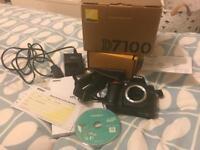 Nikon D7100 excellent condition in box
