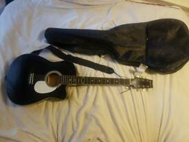 Electro-acustic guitar with carry case