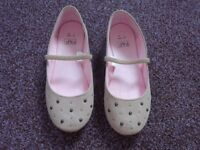 Girls shoes, selection in size 3