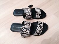 New look sliders size 4 new