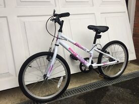 Girls bike 5 to 8 year old good condition