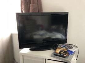 "32 "" technika tv with freeview"
