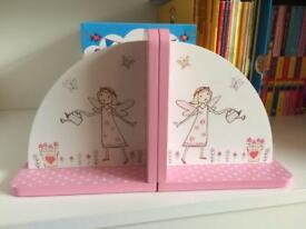 Pretty girls bookends