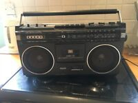Vintage FM/AM Radio - Great Sound Quality and Tape Deck