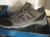 Ladies trainers / walking shoes