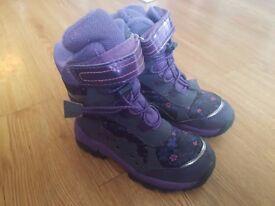 Girls purple Winter boots - Size UK 9 - Heavy duty - Barely worn