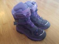 Girls purple Winter boots - Size UK 9 - Heavy duty - Barely worn