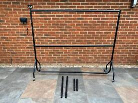 Clothes Rail (height adjustable)