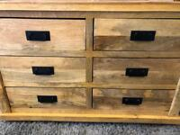 Oak furniture land chest of drawers