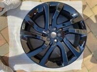 """20"""" 5011 Alloy wheel from a 2015 Land Rover Discovery sport"""