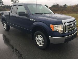 2012 Ford F-150 XLT|one local owner shows like new|has tonneau c