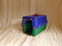 Small animal carry box
