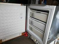 Siemens built in under worktop freezer