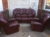 Italian leather3 piece sofa in good condition