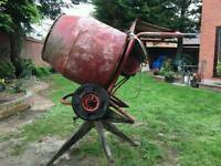 Cement/concrete mixer