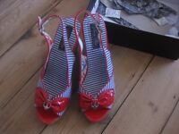 Red and blue wedge shoes size 40