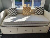 Ikea hemnes day bed