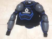 661 Men's body armour