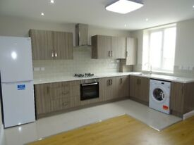 3 Bed flat to rent available -fully furnished and modernized