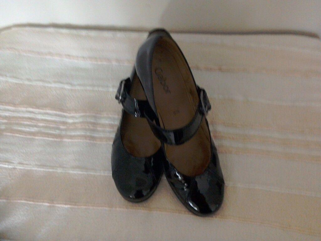 GABOR ladies black patent leather shoes size 5.5
