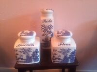 Blue and white Willow pattern kitchenware for sale