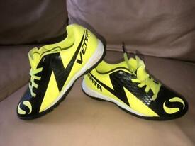 Sondico Venata Boys Yellow Black Sport Trainers Shoes Size 13 Eur 32 Lace Up