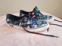 Men's lacoste canvas floral shoes size 8.5