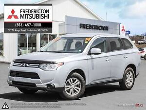 2014 Mitsubishi Outlander ES! 4X4! HEATED SEATS! WARRANTY TO 202
