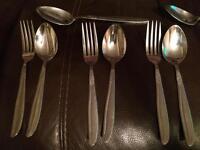 Dessert cutlery