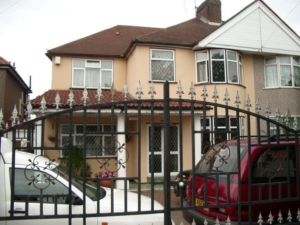 A  Rec Semi Detached House For Sale In Uxbridge Road Feltham Tw13 5ed
