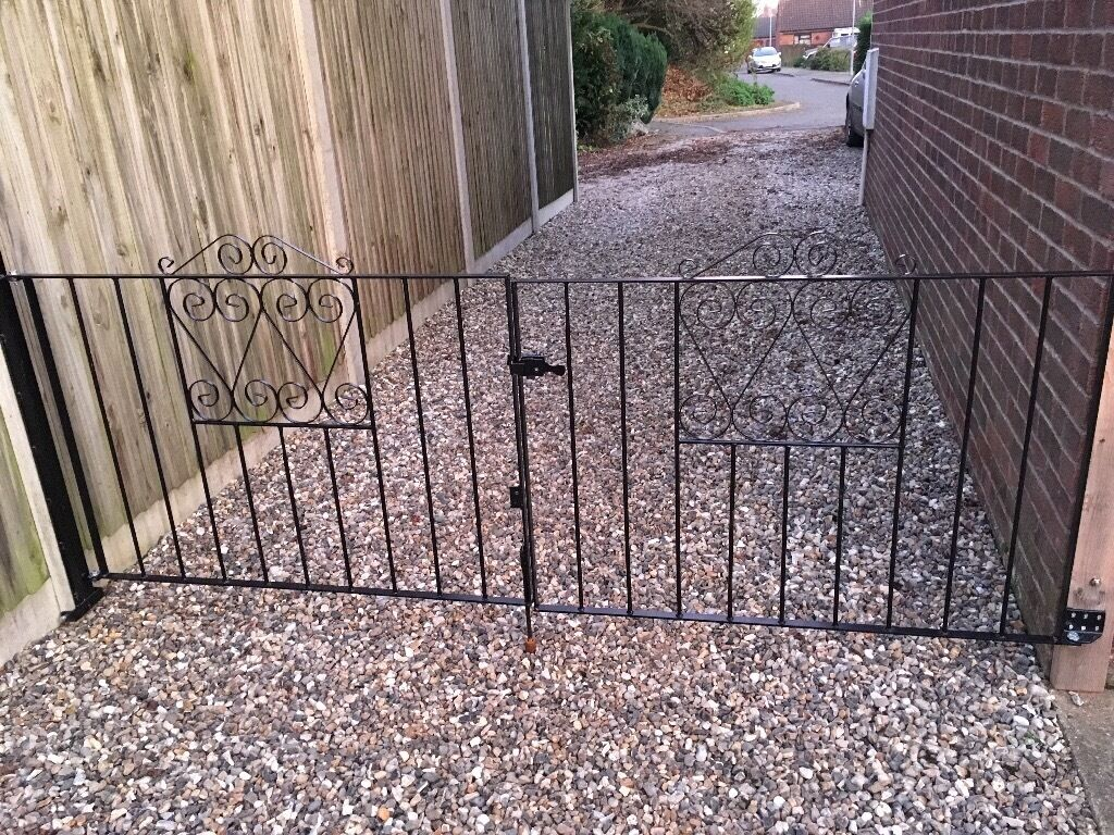 Metal black gates