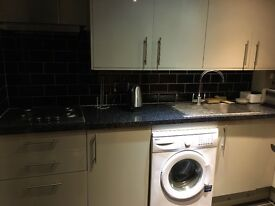 Double Rooms in Datchet for rent. Close links to train station.