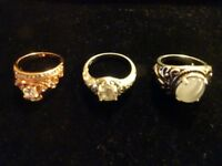 JOBLOT OF SILVER AND GOLD RINGS- 12 RINGS IN TOTAL