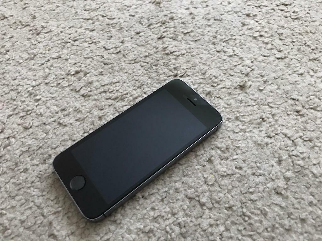 Apple iPhone 5s Space Grey 16GB (unlockedin ManchesterGumtree - Apple iPhone 5s Space Grey 16GB unlocked to any network in good condition and full working order comes with charger. Collection or can deliver No offers pls
