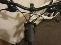 Secialized Hardrock Mountain bike disc brakes 24 speed Absolute bargain