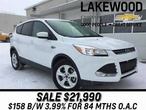 2016 Ford Escape SE 4x4 (Back Up Cam, Heated Seats)