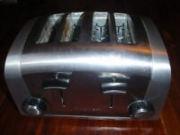 Cuisinart 4 slice Toaster brushed stainless ( like Dualit ) good condition