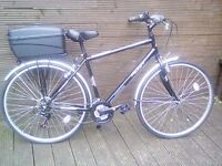RALEIGH ACTIV 5TH AVENUE HYBRID/CITY BIKE IN IMMACULATE CONDITION