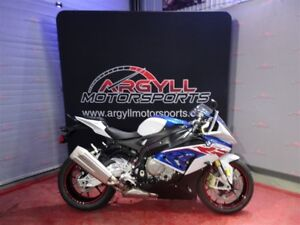 2017 BMW S1000RR Light White / Lupin Blue / Racing Red