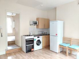SELF CONTAINED 1 BED, SHOREDITCH, BRICK LANE, EC2, E2, FURNISHED, CENTRAL LONDON, £275 PW