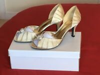 Size 5 wedding shoes, once worn, buyer collects