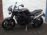 Triumph speedtriple black 2010.