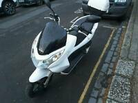 HONDA PCX 125 AUTO MOPED EXCELLENT CONDITION ONLY 1399 NO OFFERS