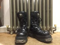 New Rock Reactor Boots Unisex Size 8