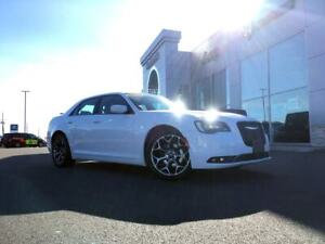2018 Chrysler 300 RWD - HEATED LEATHER SEATS, DUAL CLIMATE CONTR