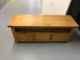 SOLID OAK LINCOLN WOOD TV STAND
