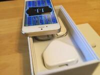 Near mint condition apple iPhone 5s 32GB factory unlocked gold & white ideal gift !!!